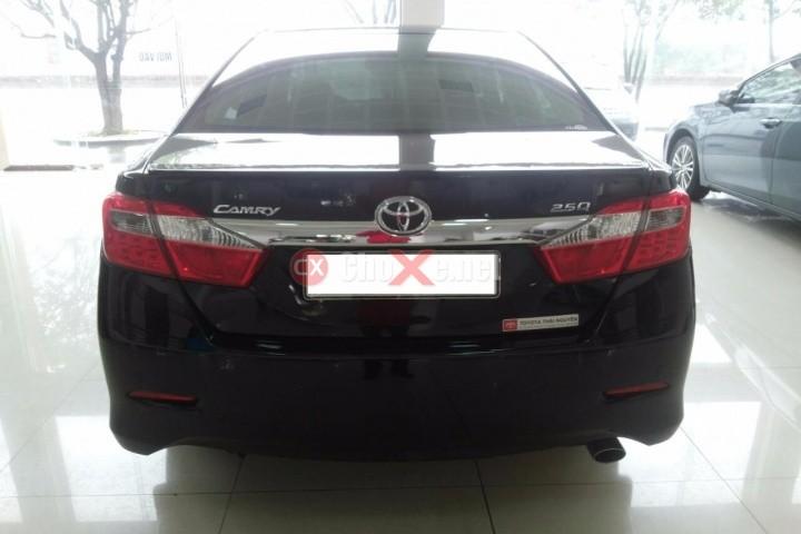 Cần bán xe Toyota Camry 2.5Q sản xuất 2013, màu đen, số tự động