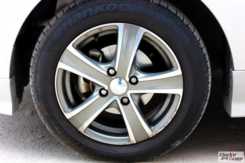 Xe Chevrolet Spark LS 1.2MT sản xuất 2013, màu bạc, số sàn giá cạnh tranh