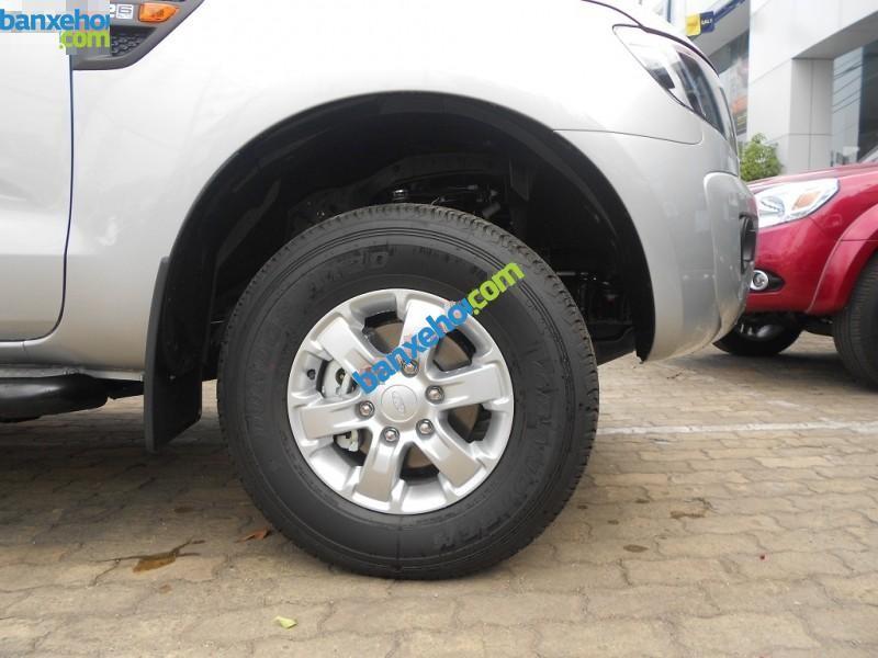 Xe Ranger XLS 4x2 MT dòng xe bán tải mạnh mẽ