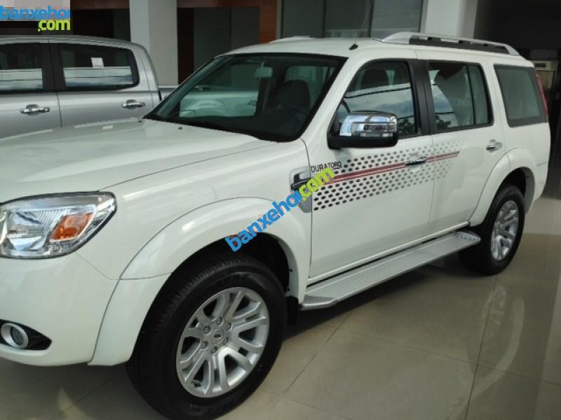 Xe Ford Everest 4x2AT 2015