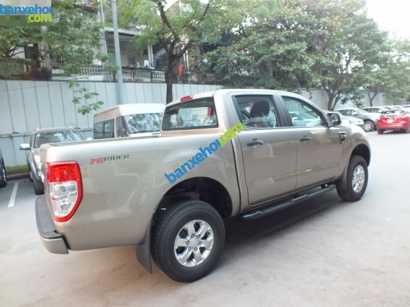 Xe Ford Ranger XLS 4x2 AT 2015