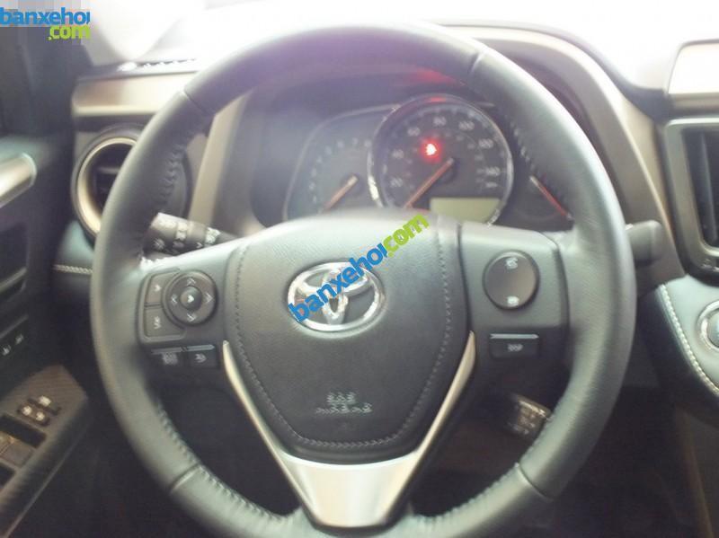 Xe Toyota RAV4   2015