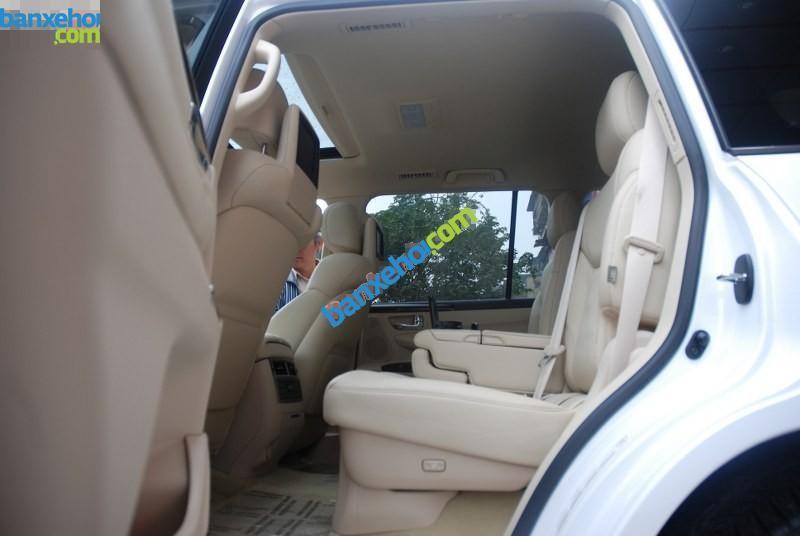 Xe Lexus LX 570 2013