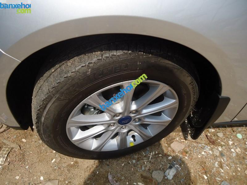 Ford Focus 1.6 AT Sedan đời 2015. Xe lắp ráp trong nước, mới 100%