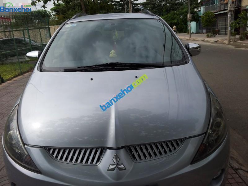 Xe Mitsubishi Grandis AT 2005