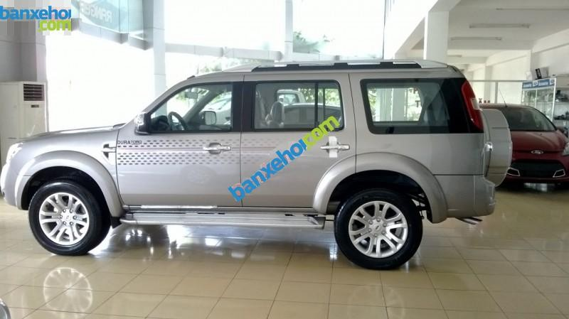 Xe Ford Everest 4x2MT 2015