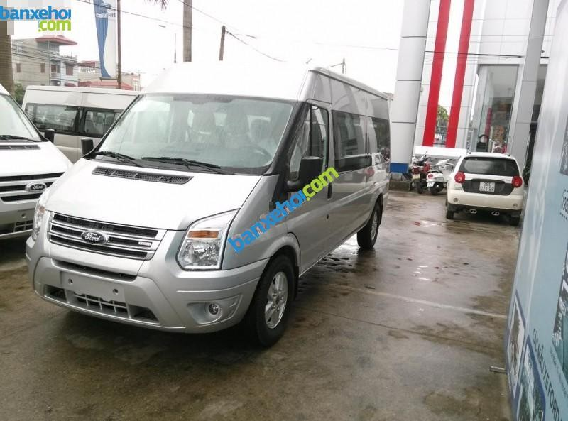 Xe Ford Transit Luxury 2015
