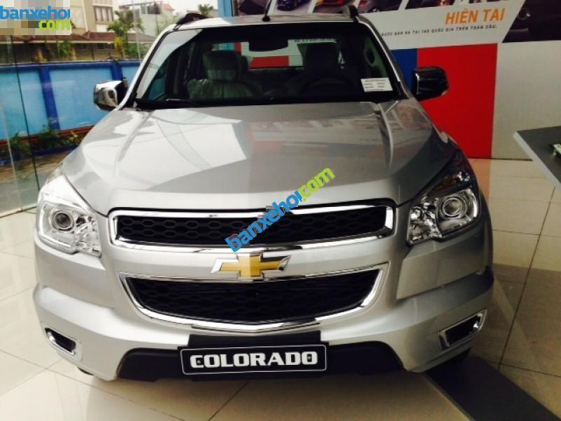 Xe Chevrolet Colorado LT 4x2 2015