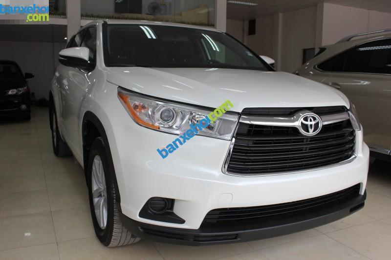 Xe Toyota Highlander LE 2014