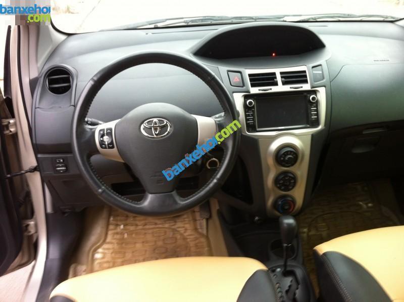 Xe Toyota Yaris 1.3 AT 2010