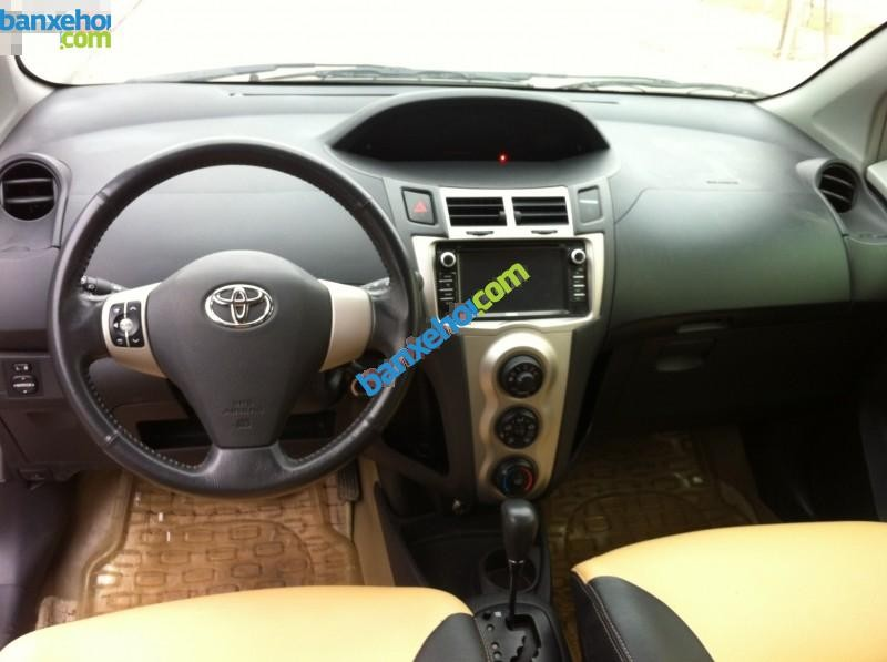 Xe Toyota Yaris 1.3 AT 2010