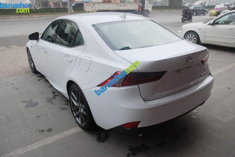 Xe Lexus IS 250 2013