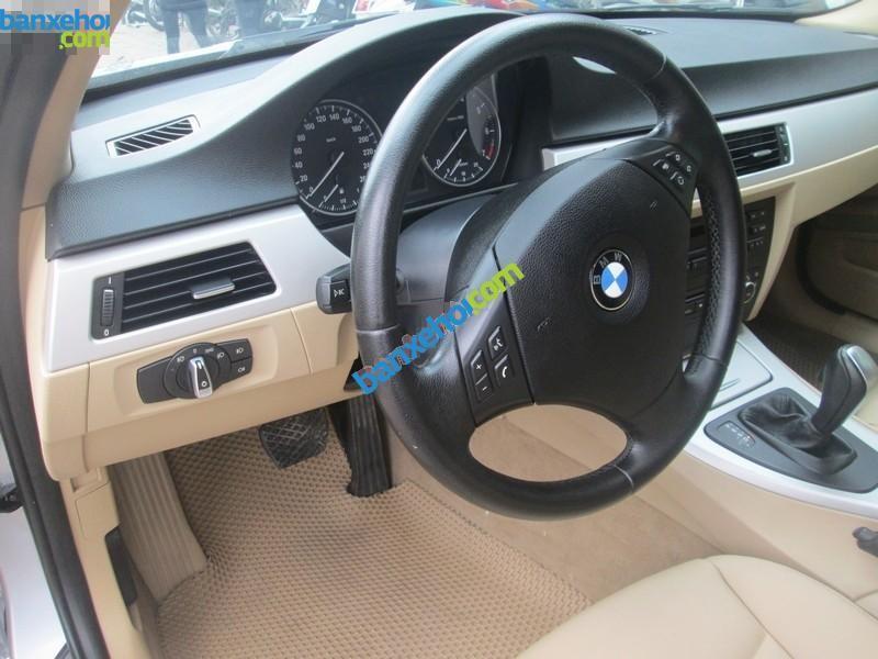 Xe BMW 3 Series 320i 2010