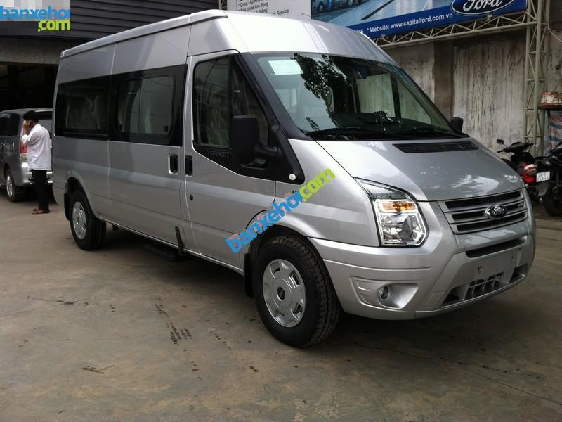 Xe Ford Transit Mid 2015