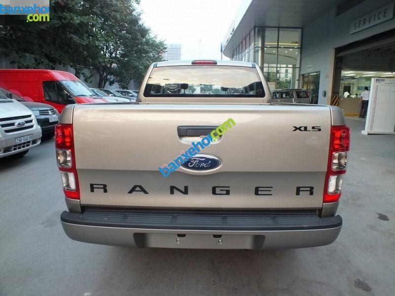 Xe Ford Ranger XLS 4x2MT 2015