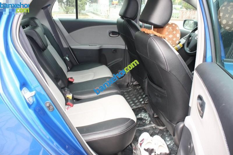 Xe Toyota Yaris  2011
