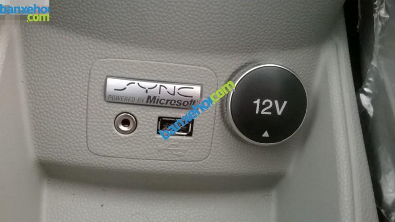 Xe Ford Fiesta 1.5L Titanium 2015