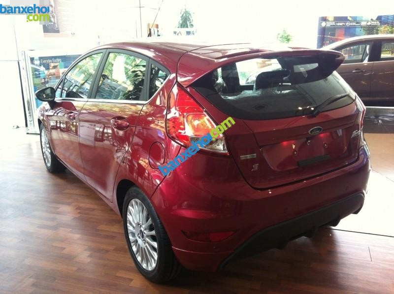 Xe Ford Fiesta 1.5AT Sport 2015