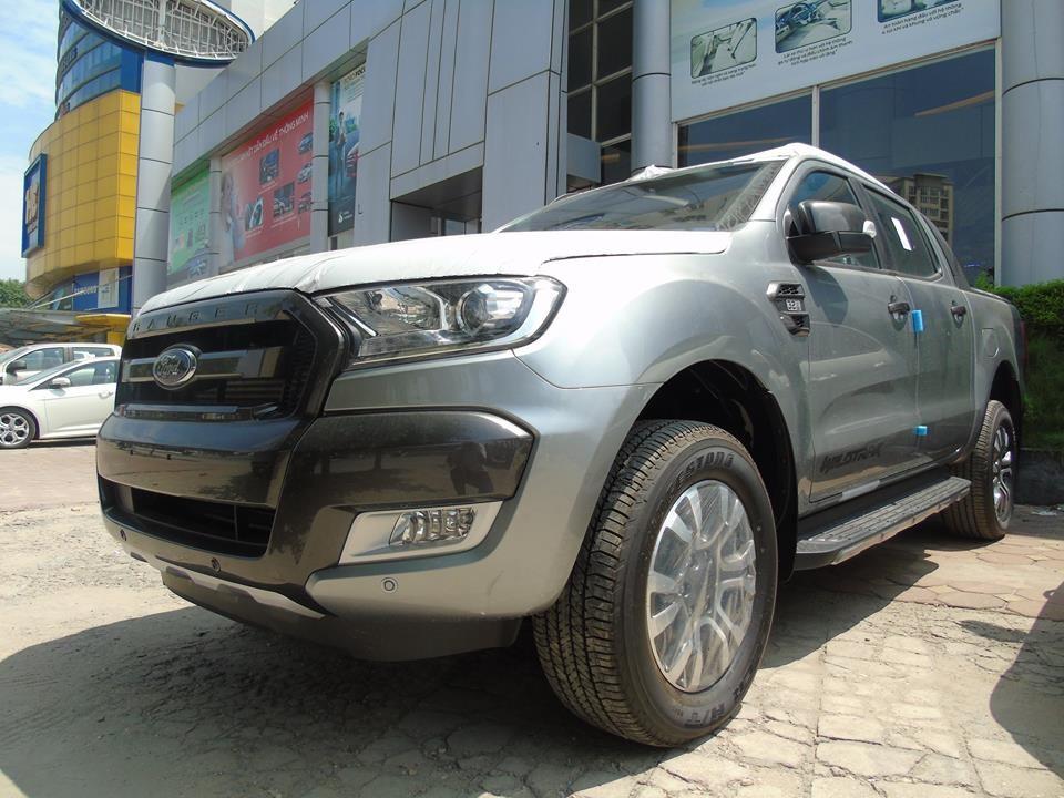 Cần bán xe Ford Ranger Wildtrak 3.2 AT 4x4 2017, màu bạc, nhập khẩu
