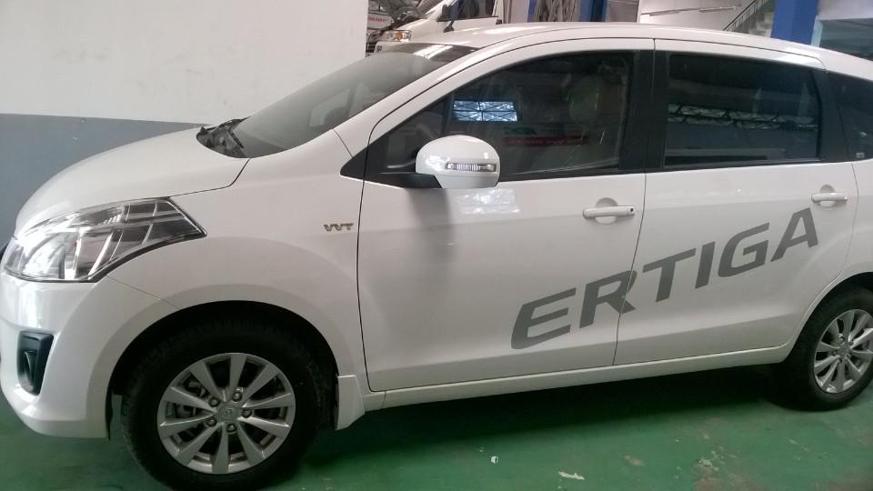 Cần bán xe Suzuki Ertiga Special năm 2016, màu trắng, nhập khẩu