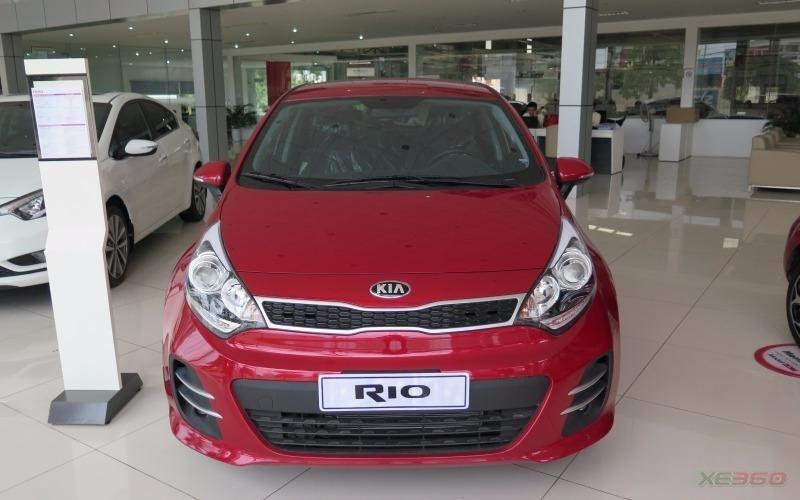 Kia Câu Diễn - Cần bán Kia Rio 5DR ATH 2015, màu đỏ, nhập khẩu, Giảm thêm tiền mặt cho khách đặt xe trong tháng