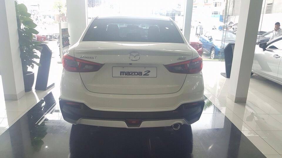 Cần bán xe Mazda 2 sản xuất 2017, màu trắng-hotline 0932.50.55.22
