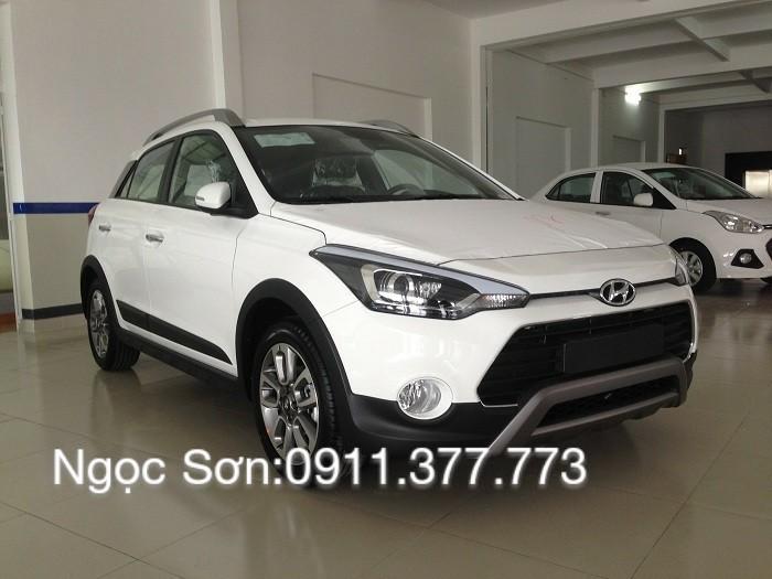 Bán Hyundai i20 mới 2017, màu trắng, xe nhập, giá chỉ 596 triệu. Lhệ: Ngọc Sơn: 0911.377.773