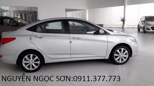 Cần bán xe Hyundai Accent mới 2017, màu bạc, nhập khẩu chính hãng, 532 triệu