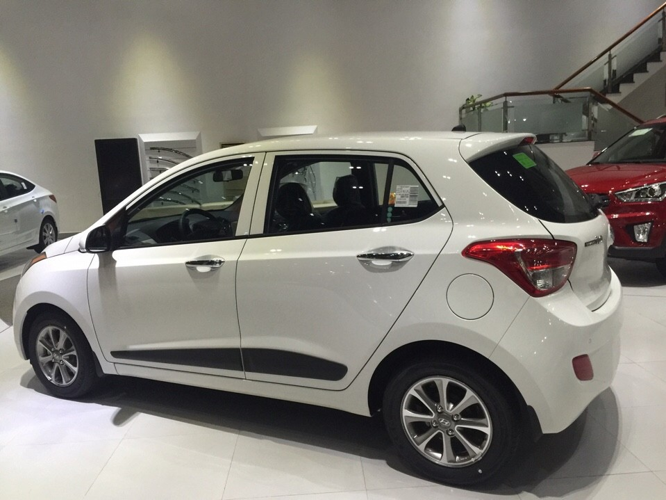 Bán Hyundai Grand i10 2016, màu trắng, nhập khẩu nguyên chiếc, giá chỉ 355 triệu
