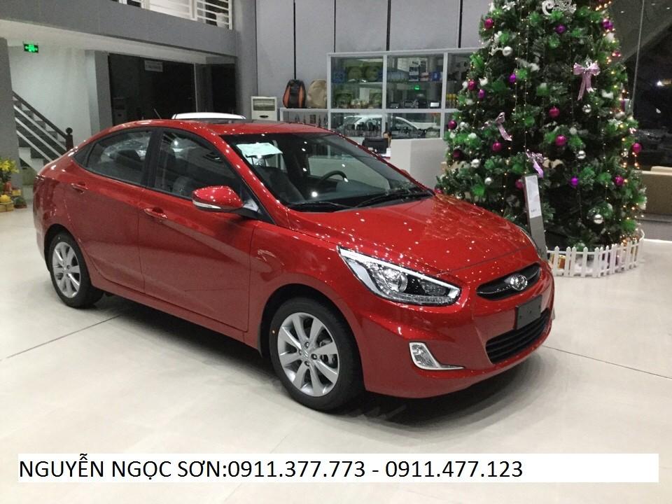 Cần bán xe Hyundai Grand i10 2017, màu đỏ, xe nhập, giá 330tr