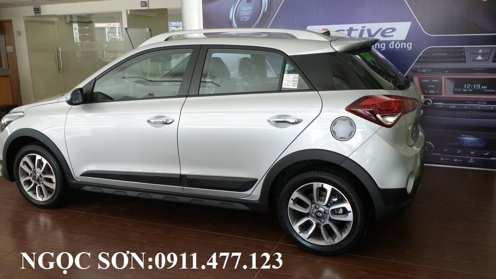 Bán ô tô Hyundai i20 Active đời 2017, màu bạc, nhập khẩu, 595tr