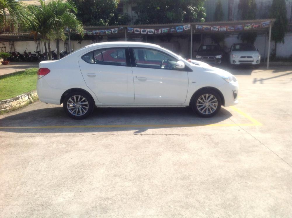 Cần bán xe Mitsubishi Attrage CVT 2016, màu trắng, nhập khẩu nguyên chiếc, giá tốt - 0906.884.030