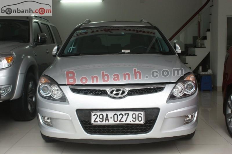 Cần bán lại xe Hyundai i30 CW đời 2010, màu bạc, nhập khẩu chính hãng chính chủ