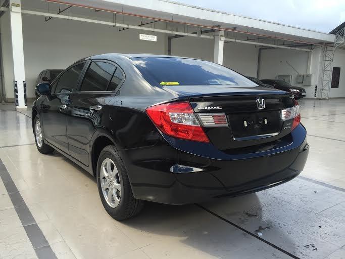 Bán Honda Civic 1.8 2016 màu đen, hỗ trợ vay với lãi suất thấp nhất