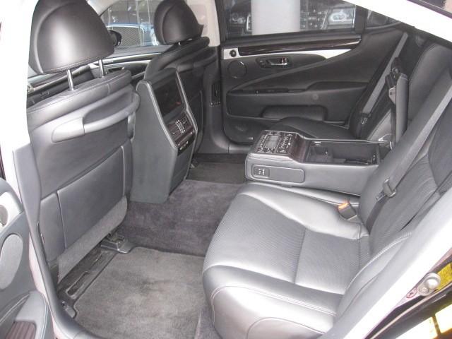 Cần bán Lexus LS 600hL đời 2016, màu đen, nhập khẩu chính hãng