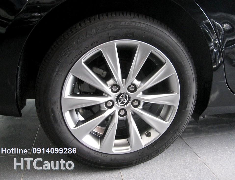 Bán xe Toyota Camry XLE 2.5 sản xuất 2016, màu đen, nhập my