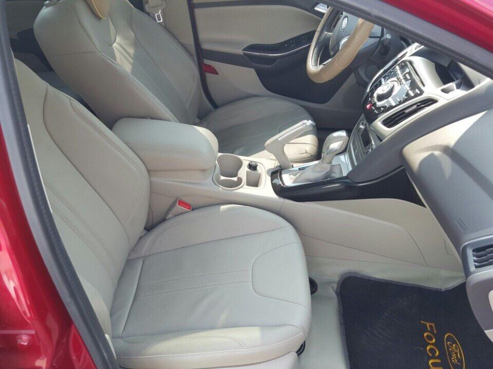 Xe Ford Focus 2013, màu đỏ, 685 triệu