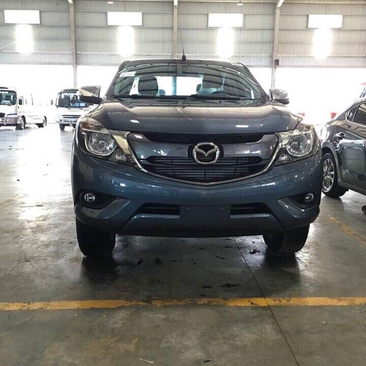 Bán ô tô Mazda BT 50 2.2 MT đời 2017, màu xanh lam, nhập khẩu chính hãng giá cạnh tranh
