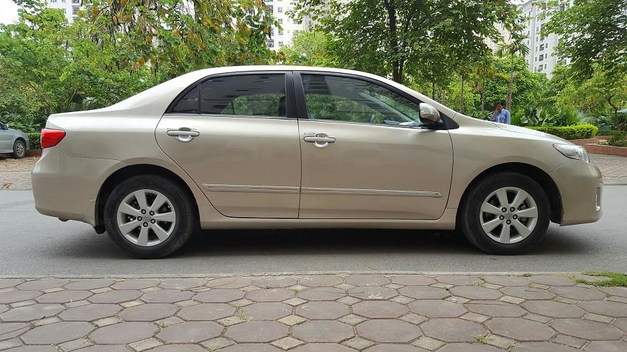 Cần bán gấp Toyota Corolla altis G đời 2013, số tự động