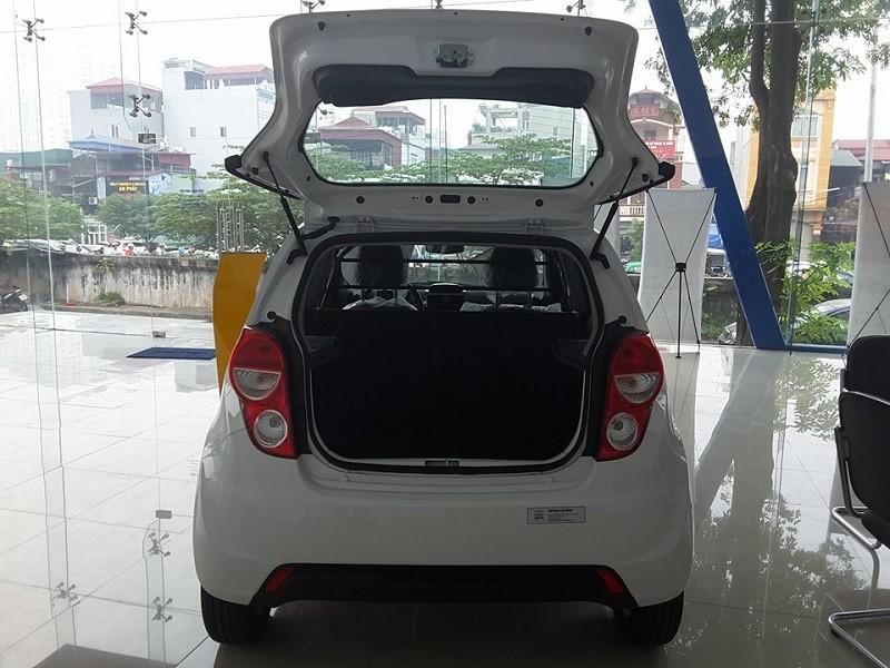 Chevrolet Spark Van 1.2L: Tặng ngay tiền mặt + Hỗ trợ lách luật