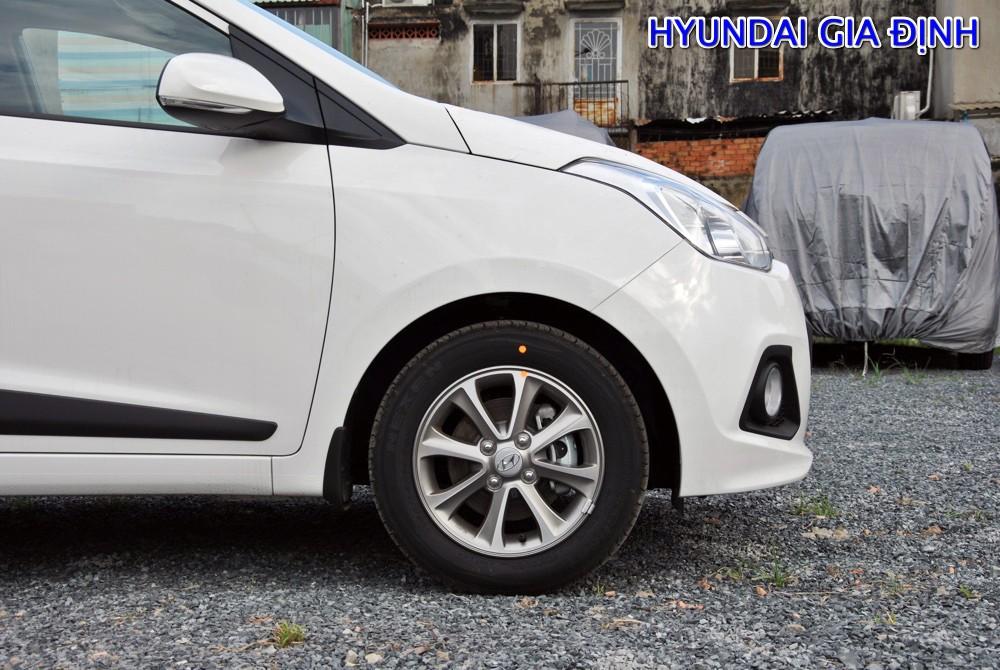 Cần bán xe Hyundai Grand i10 1.2L MT đời 2016, màu trắng, nhập khẩu nguyên chiếc, giá 444tr