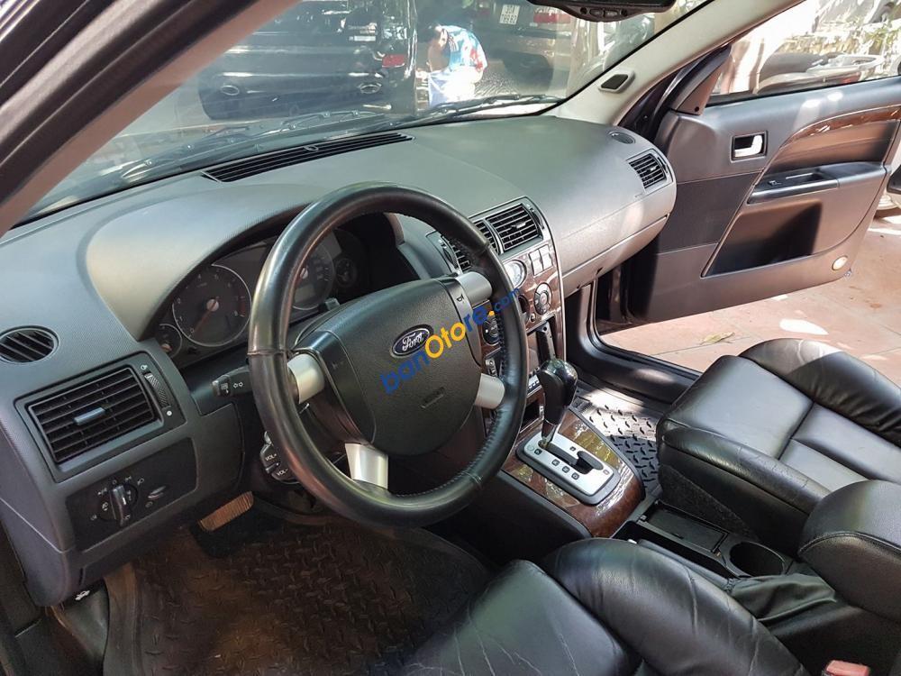Cần bán Ford Mondeo năm sản xuất 2004, màu đen số tự động
