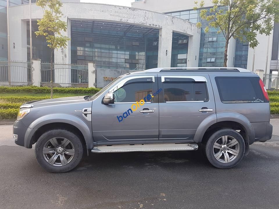 Cần bán xe Ford Everest 4X2WD AT sản xuất 2009, màu xanh lam
