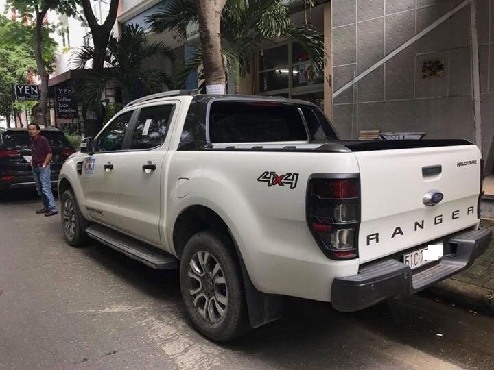 Bán xe Ford Ranger model 2016, màu trắng giá tốt