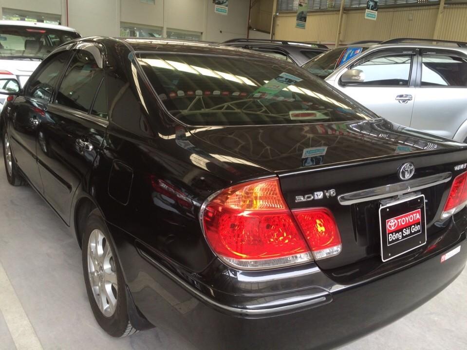 Bán Toyota Camry 3.0V 2004, màu đen