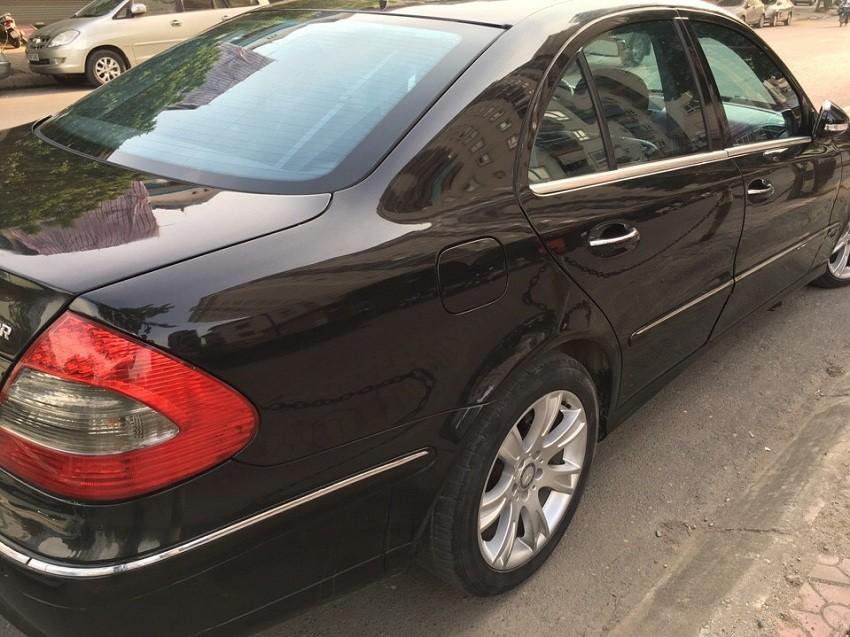 Bán MERCEDES-BENZ E200 chính chủ đi mới tinh2009, xe đẹp hiếm có vì ít sử dụng