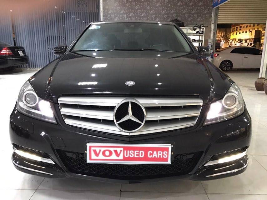 Mercedes Benz C200 2011 màu đen