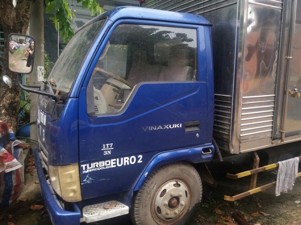 Cần bán gấp con xe tải cũ Vinaxuki đời 2009 thùng kín