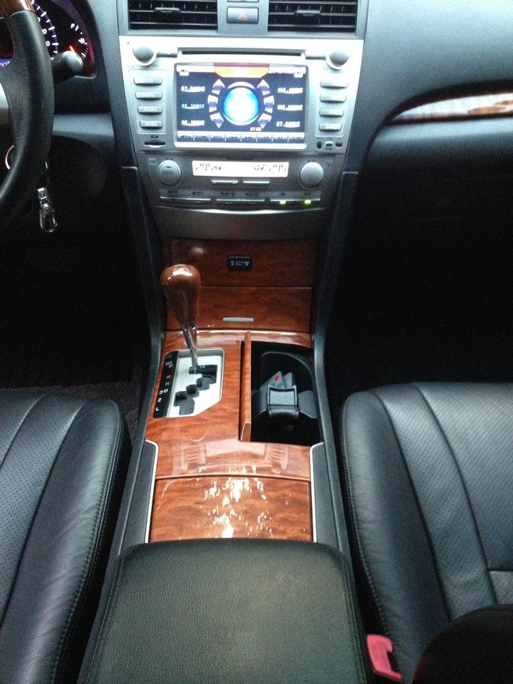 Cần bán Toyota Camry 2.0E, màu đen
