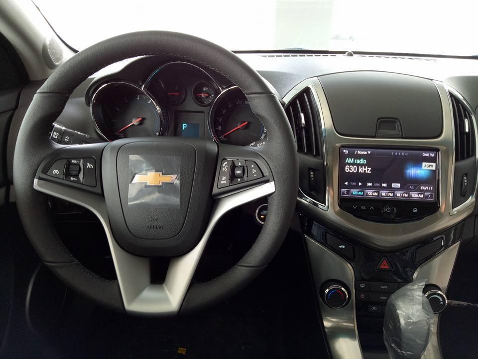 Bán xe Chevrolet Cruze 2016, màu trắng